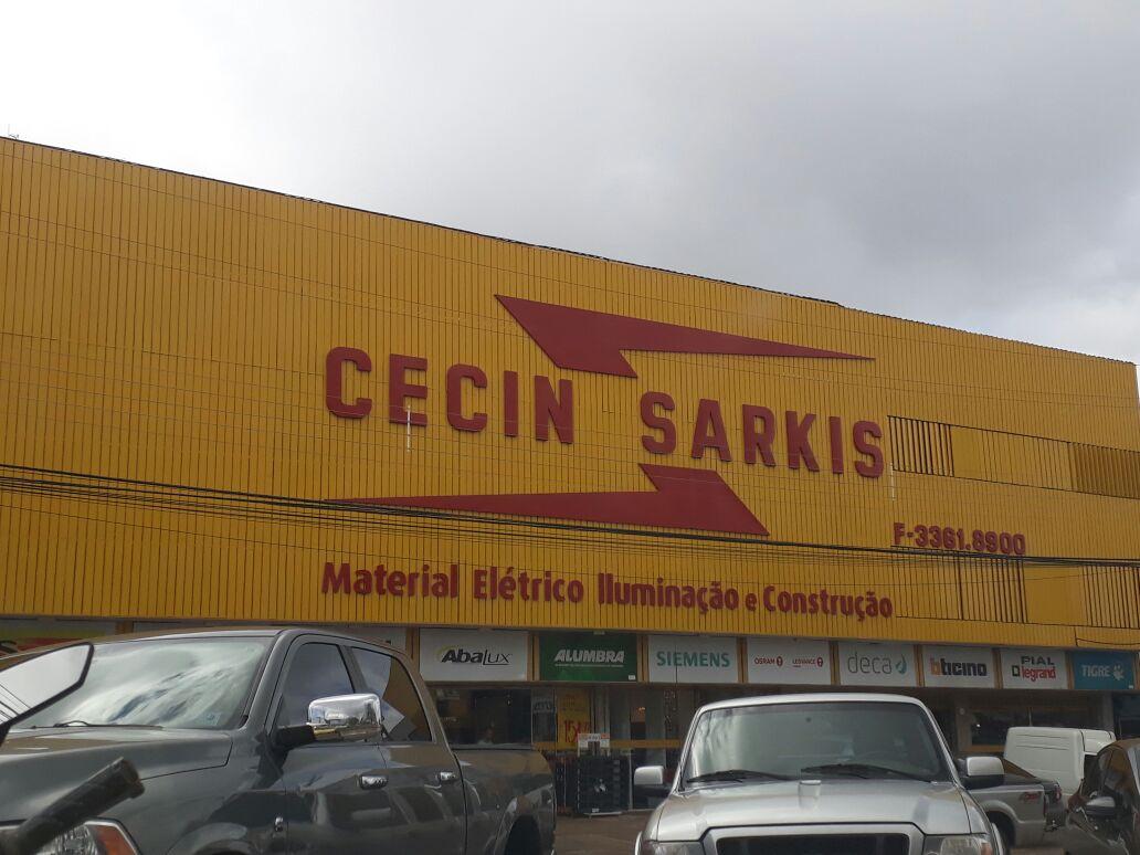 Photo of Cecin Sarkis, Material elétrico, iluminação, construção.