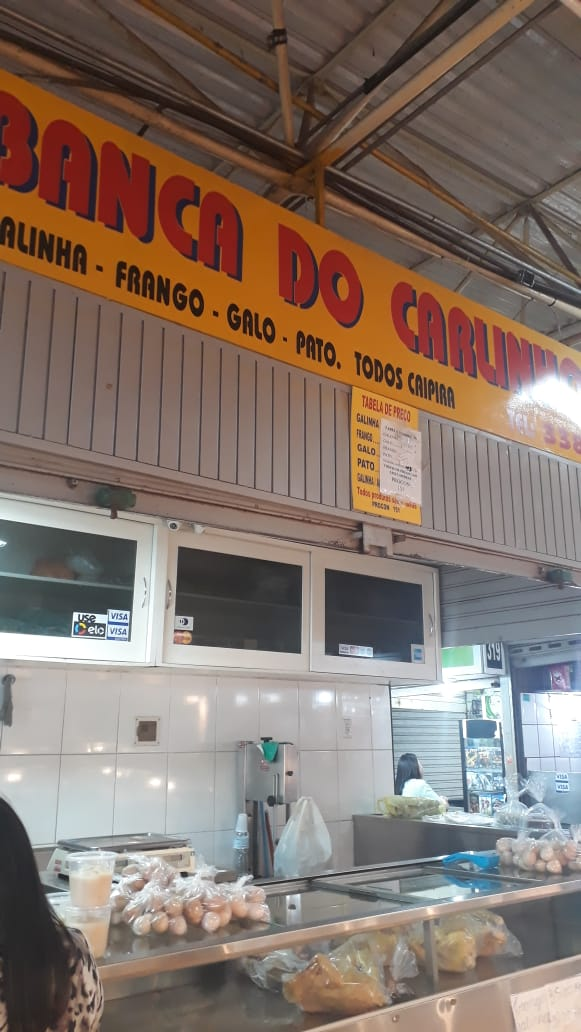 Banca do Carlinhos, galinha caipira, galo, frango, pato, Feira do Guará, Brasília-DF