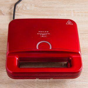 Sanduicheira e Retrô Grill Philco Vermelha 127V