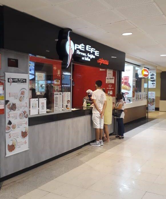 Pê Efe Praça de alimentação do Conjunto Nacional, 2º Piso