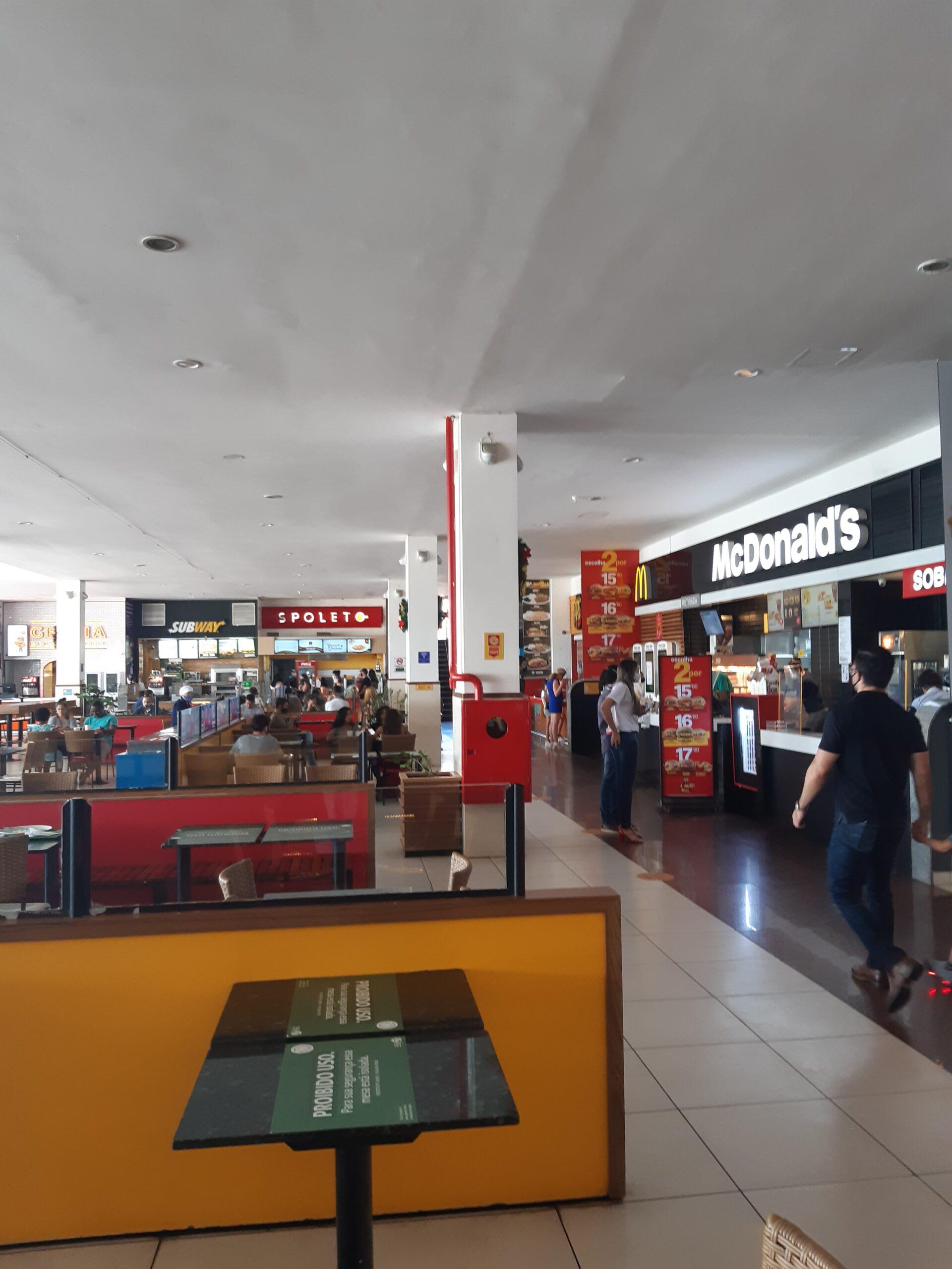 Praça de Alimentação do Shopping Pier 21