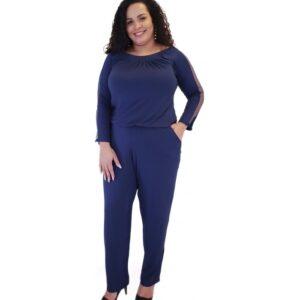 Macacão Azul Marinho com Tule e Bolsos Massambani Plus Size