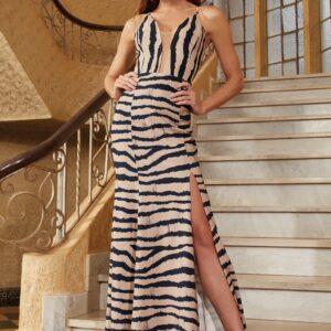 Vestido longo com fenda