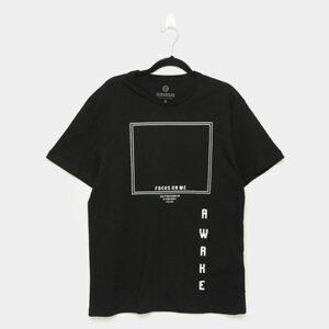 Camiseta Suburban Focus On Me Masculina - Masculino-Preto