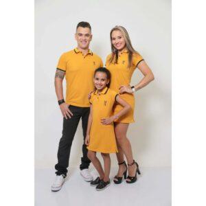 PAIS E FILHOS  Kit 3 peças Camisa e Vestidos Polo Mostarda [Coleção Família]