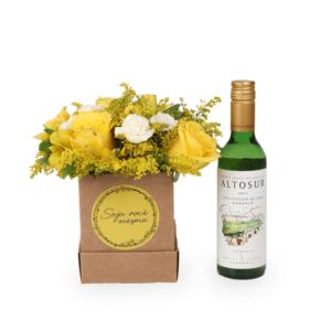 Seja Você Mesma: Arranjo em Caixa M + Vinho Branco Altosur 375ml