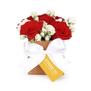 Arranjo Chic com Rosas Vermelhas e Brancas em Caixa M