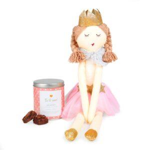 Boneca de Pano - Princesa + Lata Brownie - Te Amo