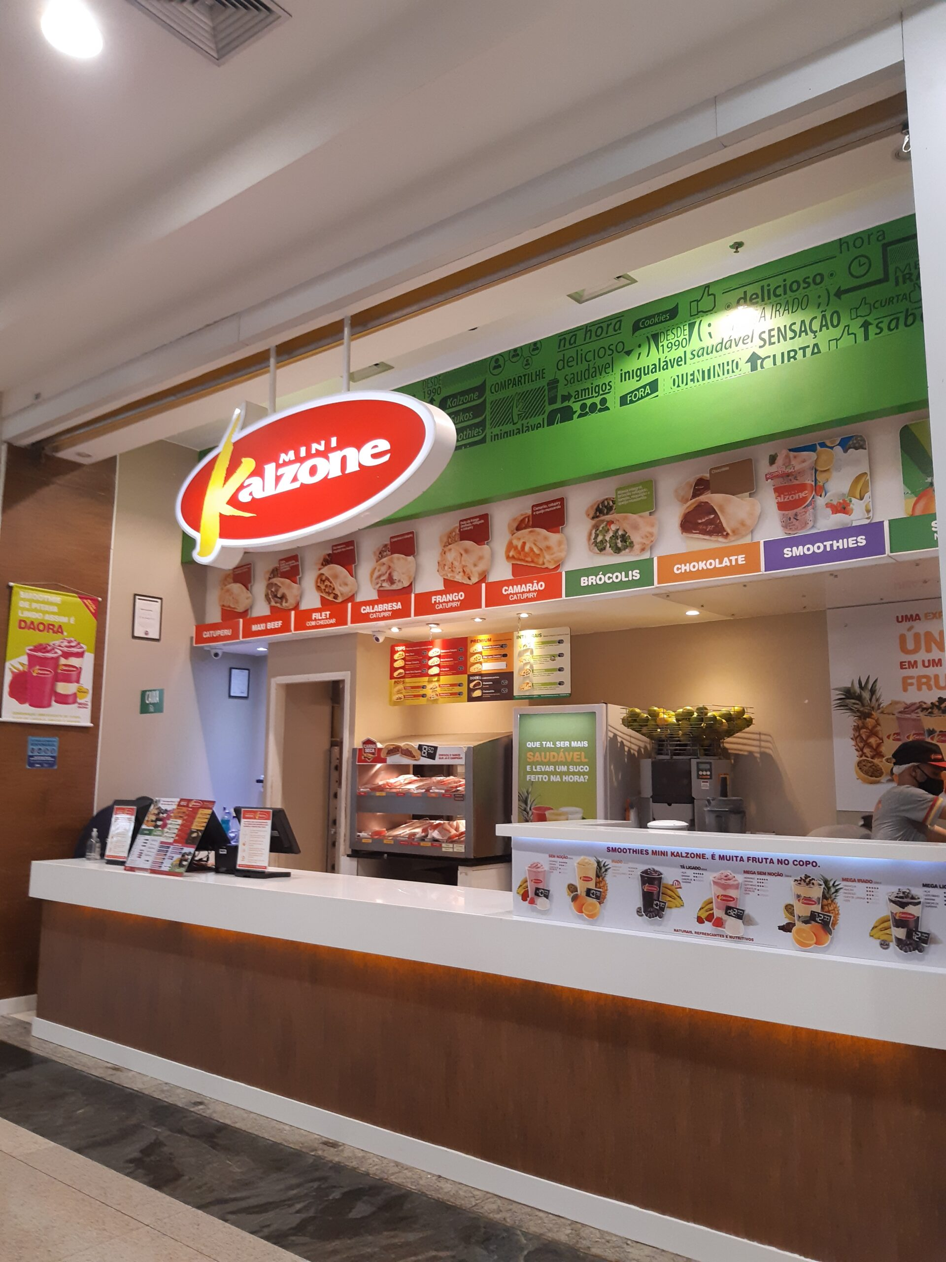 kalzone do Taguatinga Shopping, Comércio Brasilia