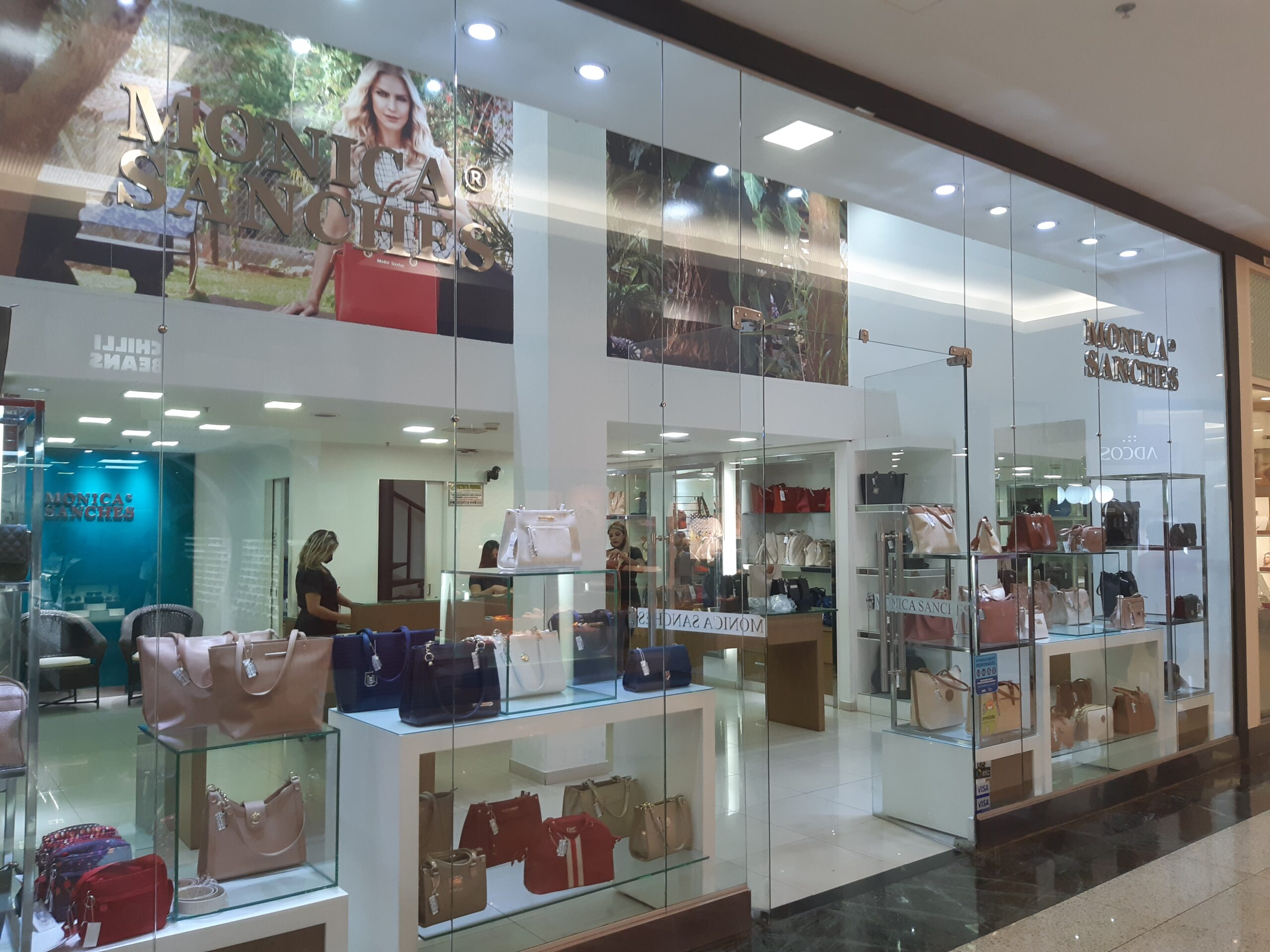 Monica Sanshes Taguatinga Shopping, Comércio Brasilia